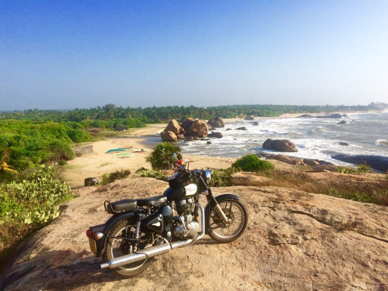 perspective moto sur ocean